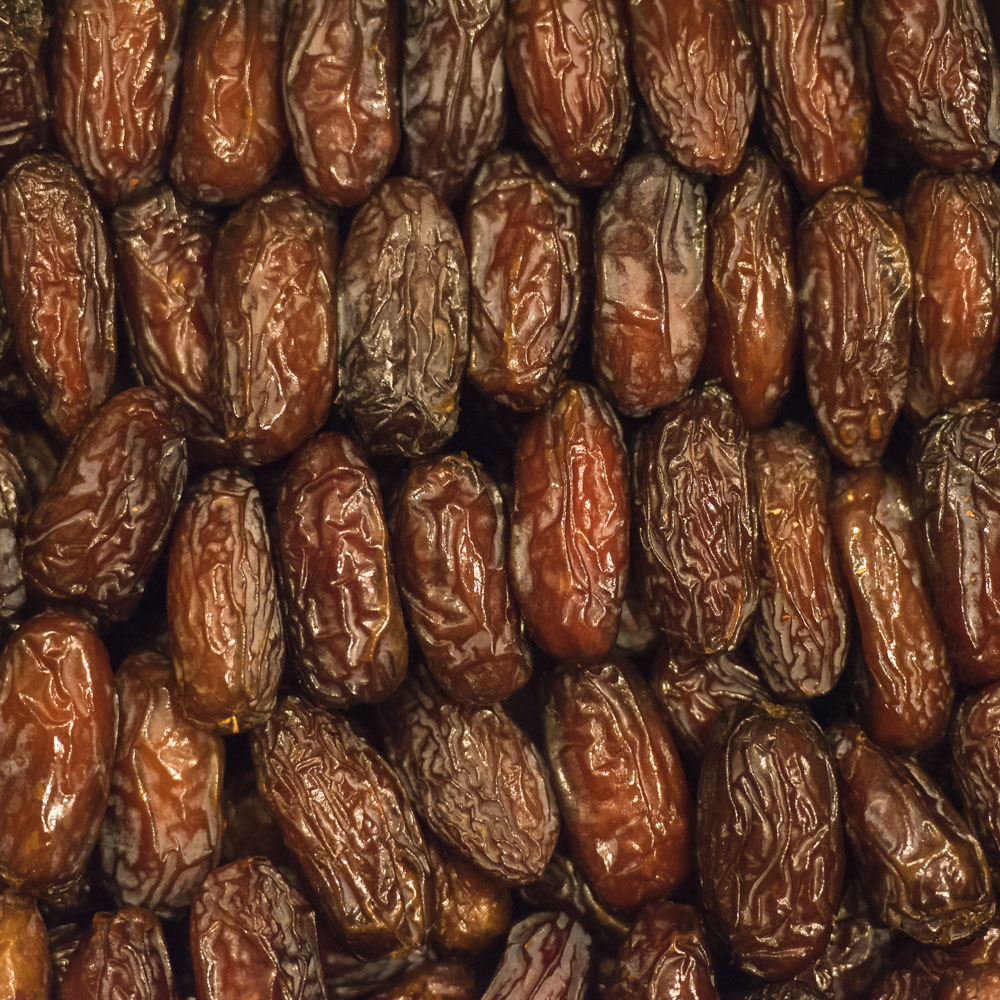 medjool-authentica-dates-fruit.jpg